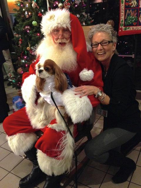Santa-RMH-PetTherapy